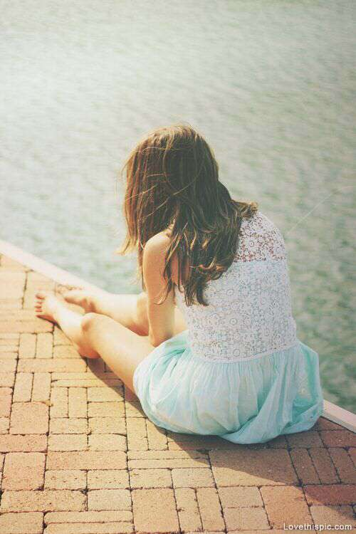 alone-girl-pool-lovesove