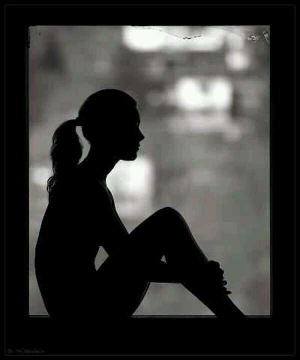 alone-sad-girl-thinking-black-white-lovesove