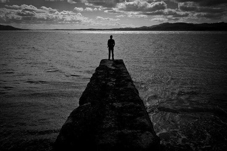 alone-sad-boy-near-sea-lovesove