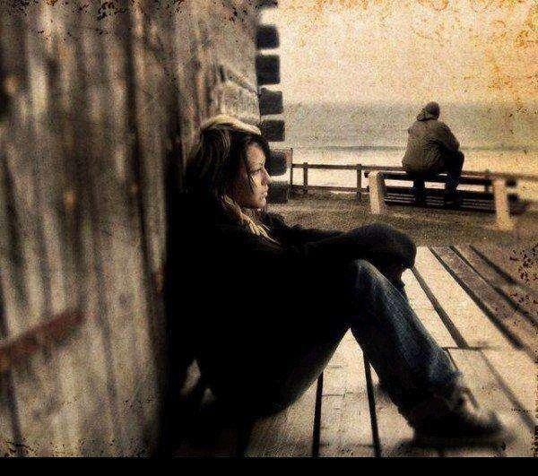 alone-sad-girl-sitting-lovesove