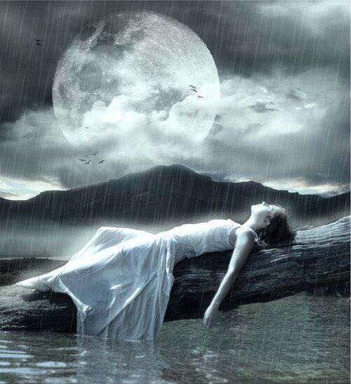 sad-alone-girl-tree-moon-sea-lovesove