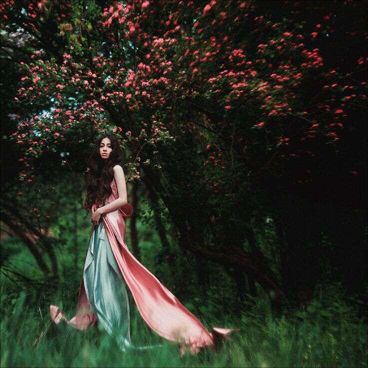 alone-girl-in-garden-lovesove