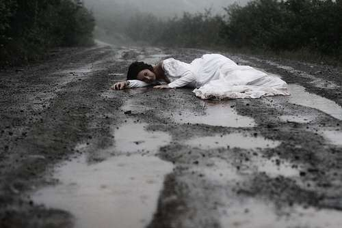 alone-sad-girl-on-rain-road-lovesove