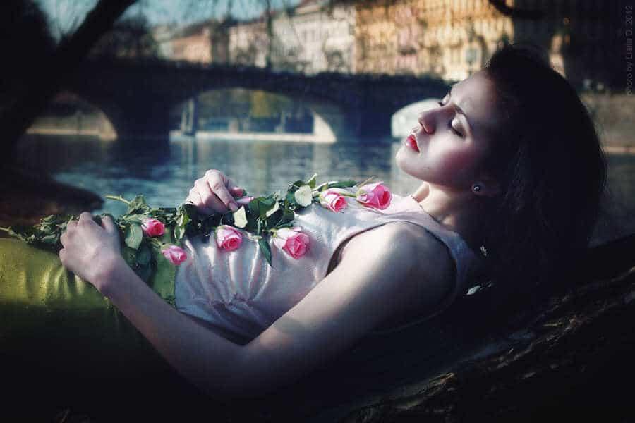 alone_girl_dream_lovesove