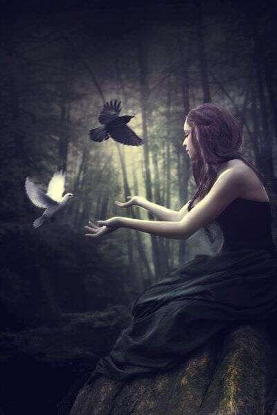 alone-cute-girl-playing-pigeon-lovesove
