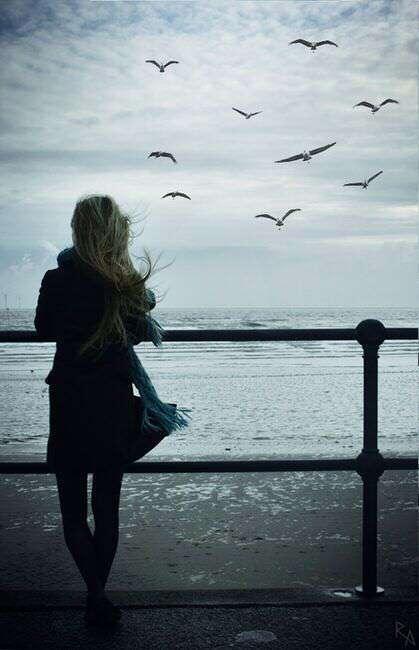 alone-girl-standing-on-terris-lovesove