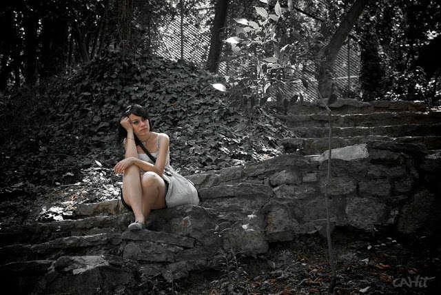 sad_alone_girls_love_wallpapers_lovesove