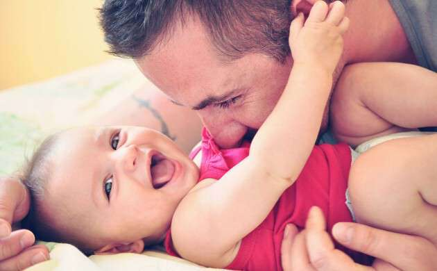 father_baby_smiling-lovsove