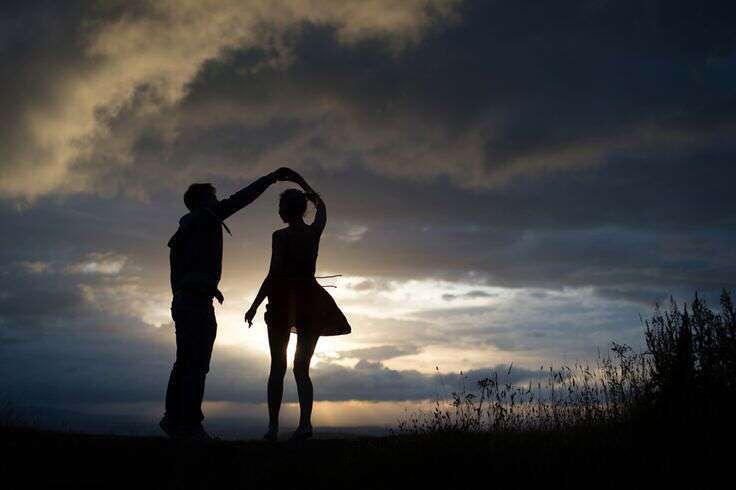 cute-couple-dancing-lovesove