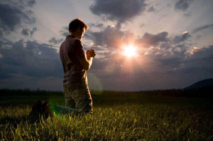 praying-sun-god-blessings