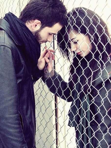 couple-in-love-romantic-sad-love-alone-image-lovesove