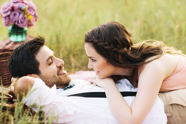 romantic status, romantic status in hindi, heart touching love shayari in hindi for girlfriend, shayari on husband wife relation,