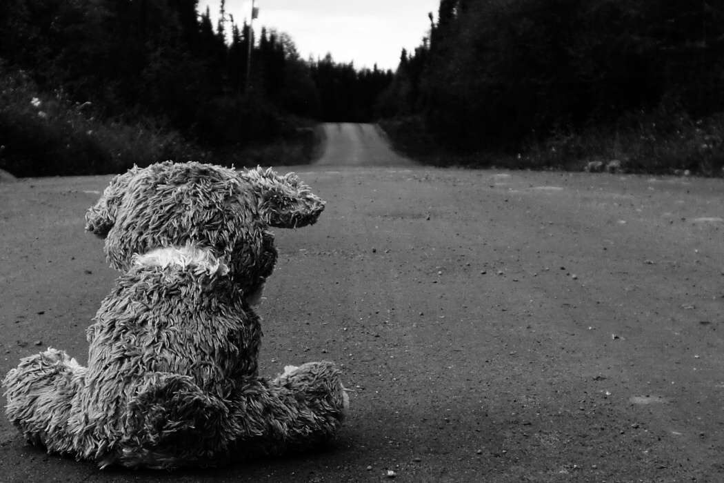 teddy-bear-road-sad-alone-lonely-road-lovesove