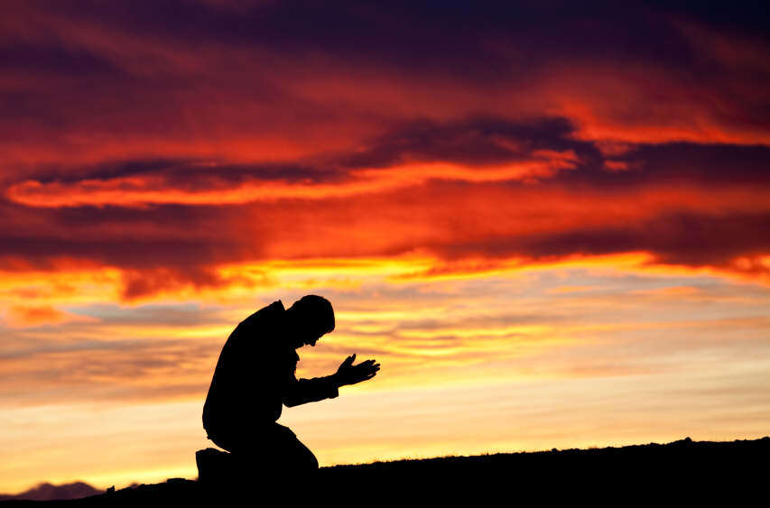 man-praying-wallpaper-lovesove