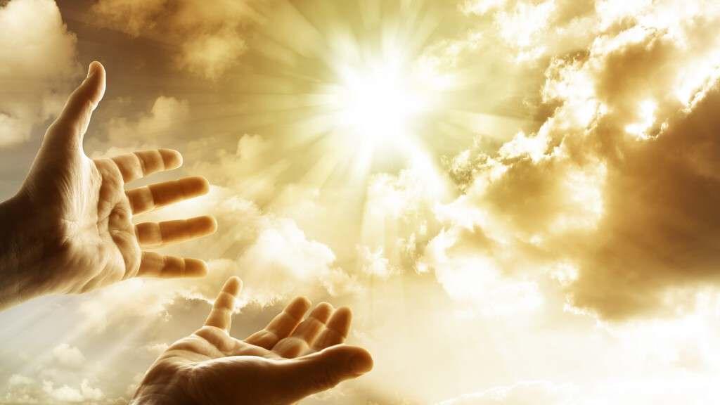 Good-morning-pray-to-first-sunlight