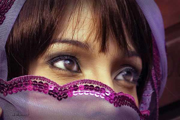 amazing-eyes-in-veil-pictures-for-girls-lovesove