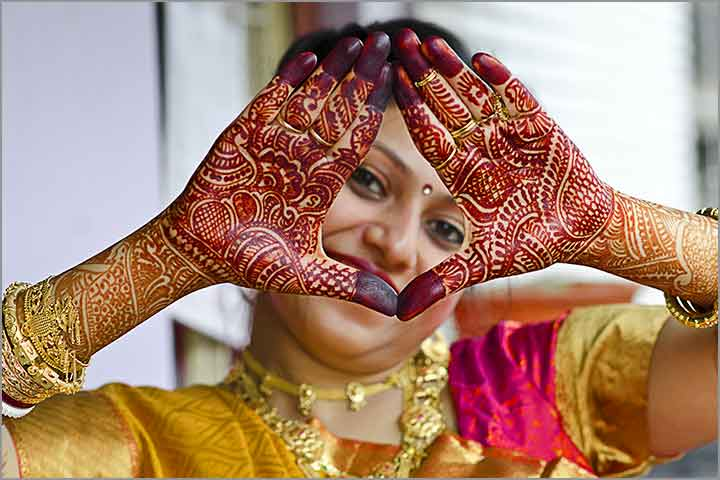 Mehndi Wedding Items, Kerala Wedding Mehndi, Mehndi Wedding Favor Boxes, Mehndi Wedding Hair Style, Wedding Mehndi Design Dulhan, Wedding Mehndi Cake, Wedding Mehndi Designs 2020, Wedding Groom Mehndi