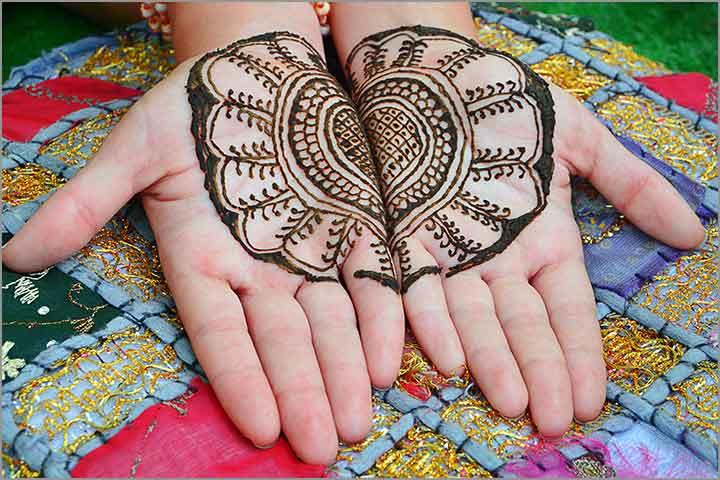 50+ Mesmerising Mehndi Designs For Ceremonies & Wedding, Wedding Mehndi Designs, big o connecting hands mehndi design for brides