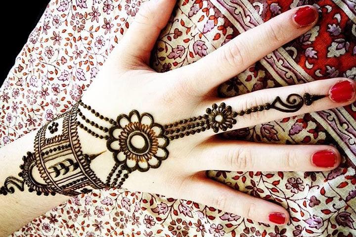 Gujarati Bridal Mehndi Designs, Gujarati Film Mehndi Rang Lagyo, Gujarati Movie Mehndi Rang Lagyo, Gujarati Mehndi Designs Gallery, Gujarati Song Mehndi Te Vavi Malve