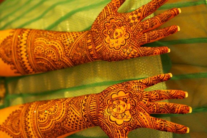 Dulhan Mehndi Beautiful, Dulhan Mehndi Chitra, Dulhan Mehndi Bridal Design, Dulhan Mehndi Close Up Photo, Dulhan Mehndi Chahiye, Dulhan Mehndi Banana, Dulhan Mehndi And Makeup, Dulhan Mehndi Close Up