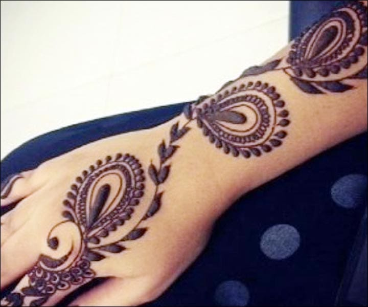 Mahendi On Hand, Mehndi Back Design, Fingers Mehndi, Mehndi Images, Mehndi Pic, Mehndi Picture, Mehndi Design 2020