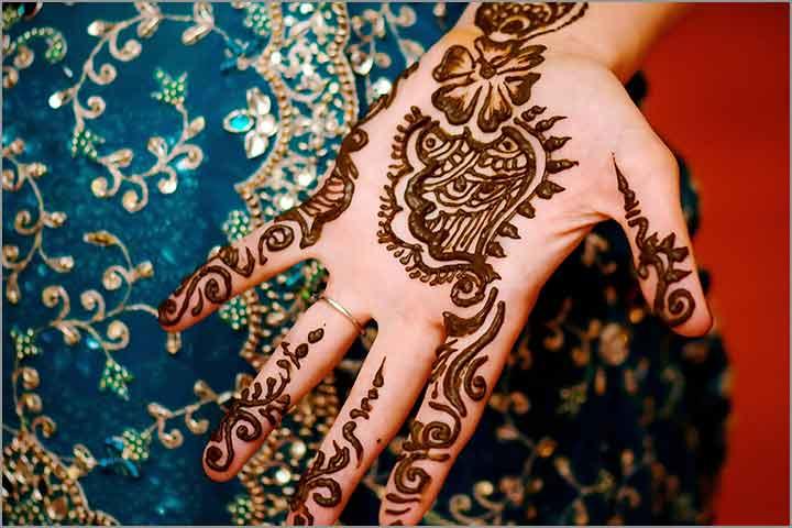 50+ Mesmerising Mehndi Designs For Ceremonies & Wedding, Wedding Mehndi Designs, floating island mehndi