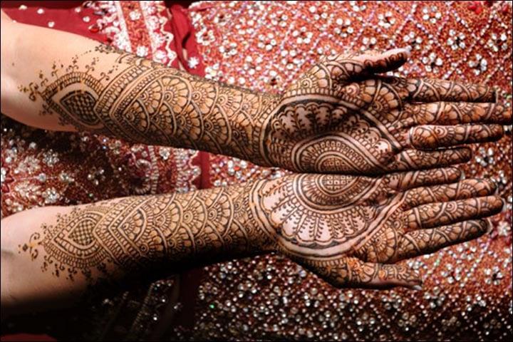 Traditional Circle Mehndi Designs, Traditional Mehndi Design 2018, Traditional Bridal Henna, Traditional Mehndi Designs Book