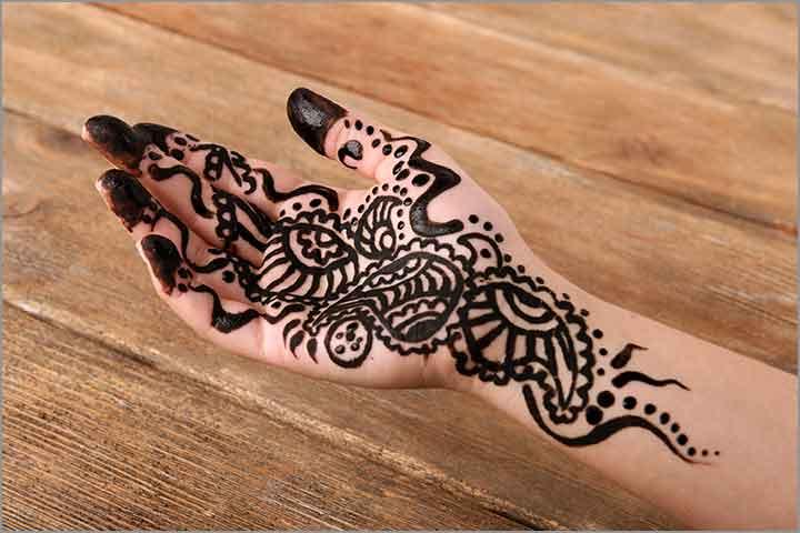 50+ Mesmerising Mehndi Designs For Ceremonies & Wedding, Wedding Mehndi Designs, middle eastern themed mehndi style