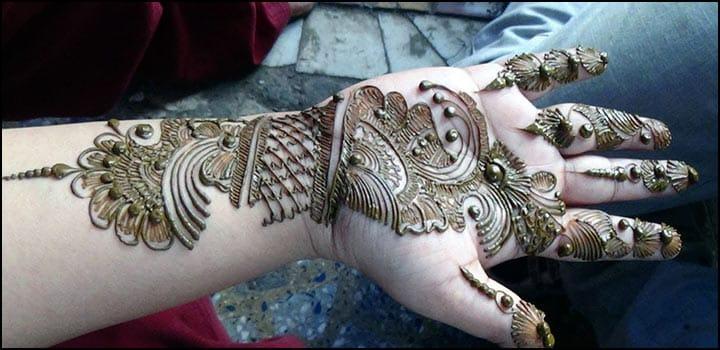 Traditional Bengali Mehndi, Traditional Mehndi Designs For Back Hands, Traditional Foot Mehndi Designs, Traditional Black Henna