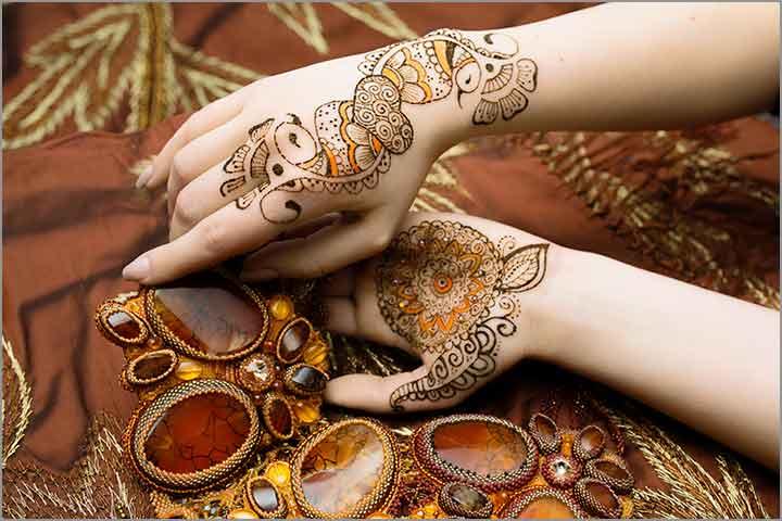 50+ Mesmerising Mehndi Designs For Ceremonies & Wedding, Wedding Mehndi Designs, orange love birds mehndi design
