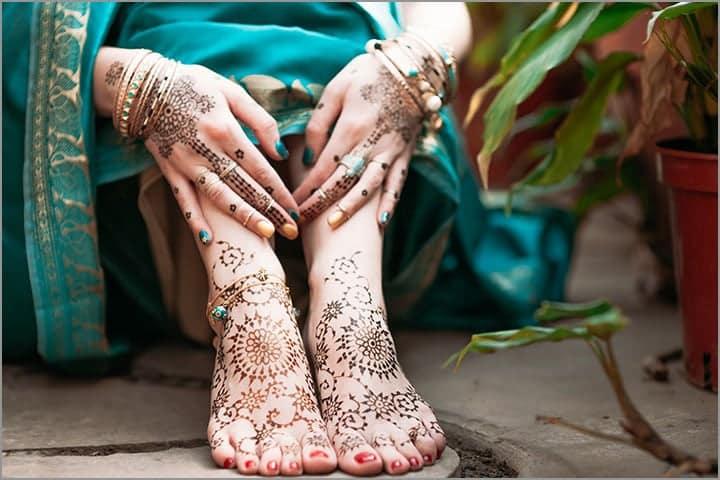 50+ Mesmerising Mehndi Designs For Ceremonies & Wedding, Wedding Mehndi Designs, starry mehndi design
